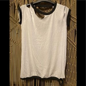Chaser distressed open back T-shirt Tee M